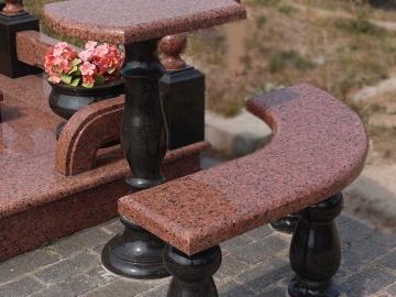 гранитный столик с лавкой