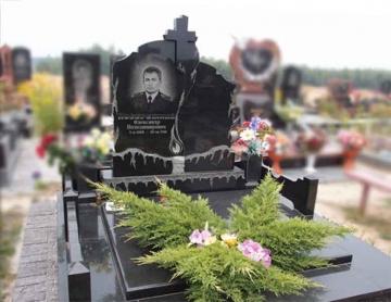 двойной надгробный памятник из гранита для кладбищ
