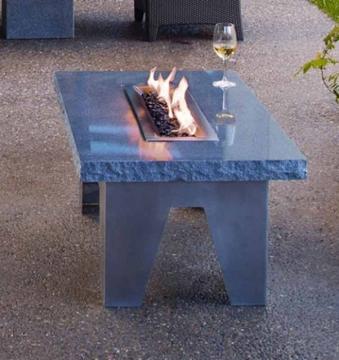 стол из искуственного камня украсит ваш интерьер