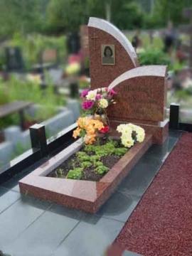 одиночный  элитный памятник из камня для кладбищ