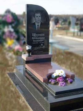 надгробный памятник из гранита для кладбищ