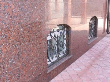 фасад из гранита для облицовки