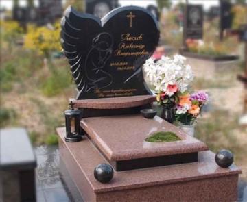 одиночный памятник из камня для кладбищ