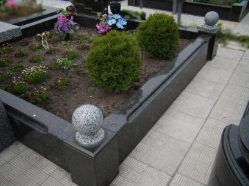 гранитное надгробие для цветов