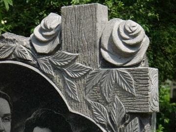 крест из гранита