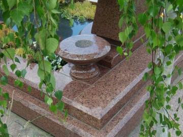 гранитное основание для кладбища