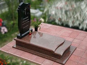одиночный памятник из камня на могилу