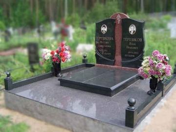 двойной памятник из гранита на могилу