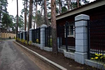 каменный забор для ограды