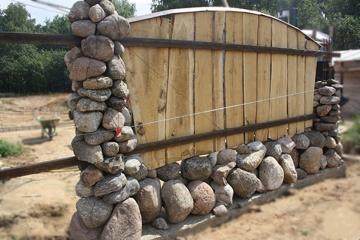 забор гранитный